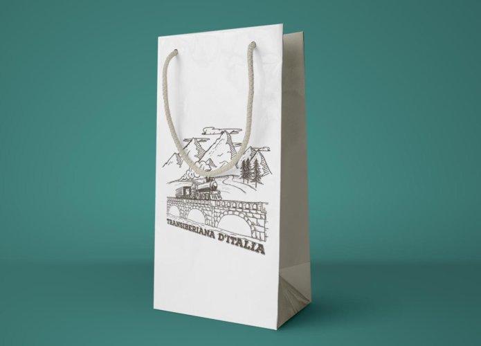Grafica busta di carta Transiberiana d'Italia